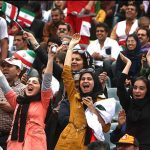وزیر ورزش وعده داد: شرایط حضور خانوادهها را در استادیومها فراهم میکنیم + ویدئو