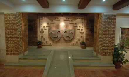 تماشاخانه ایرانشهر با سه نمایش سال ۹۵ را به پایان میبرد