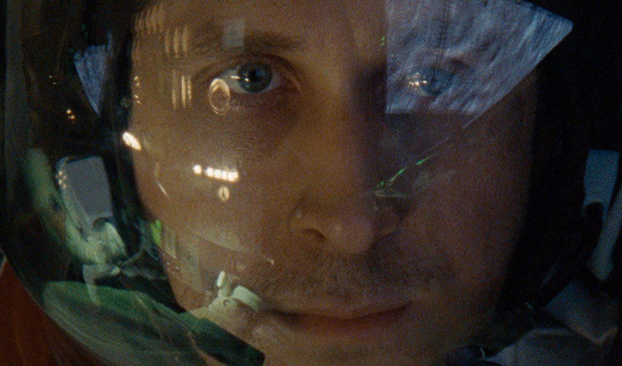 پرونده سینمافا برای «اولین انسان» (First Man) اثر جدید دیمین شزل (خالق «لا لا لند»)/ با مطالب و ترجمههای اختصاصی